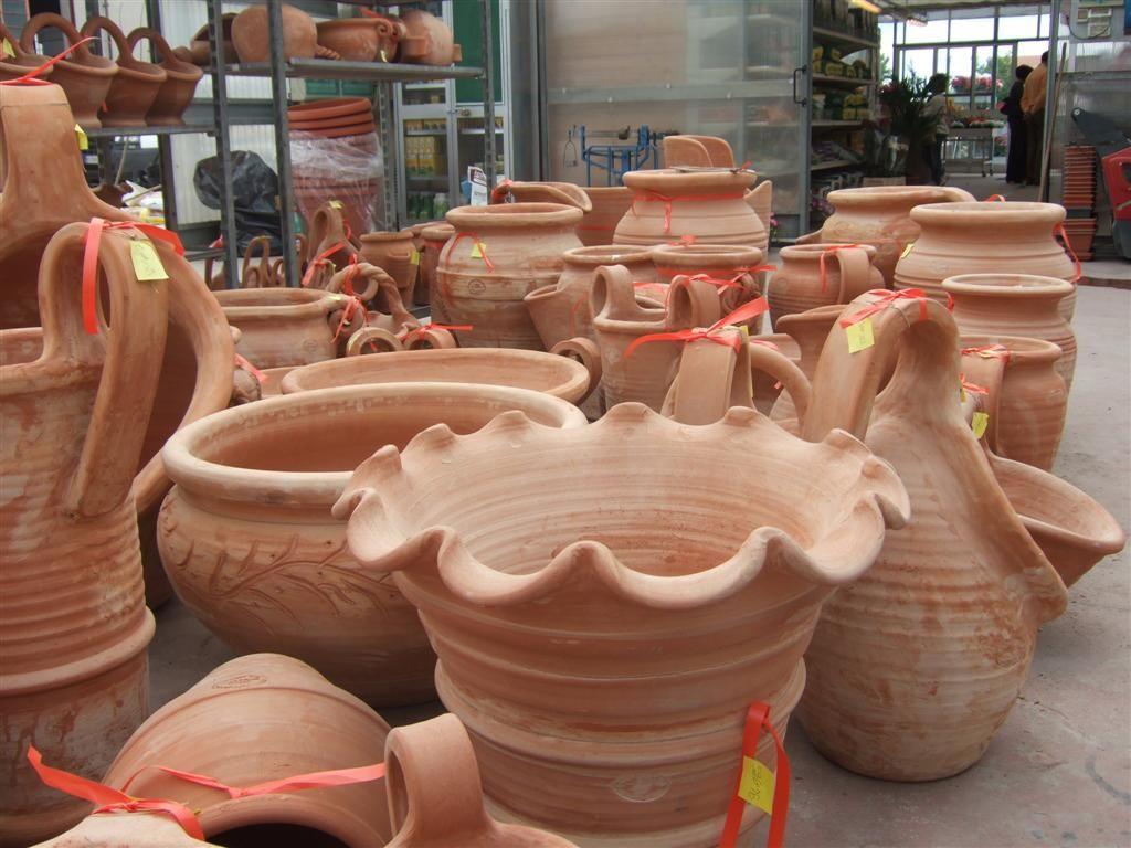 Vasi in terracotta da esterno fabulous omini con vasi di terracotta with vasi in terracotta da - Vasi terracotta da giardino ...